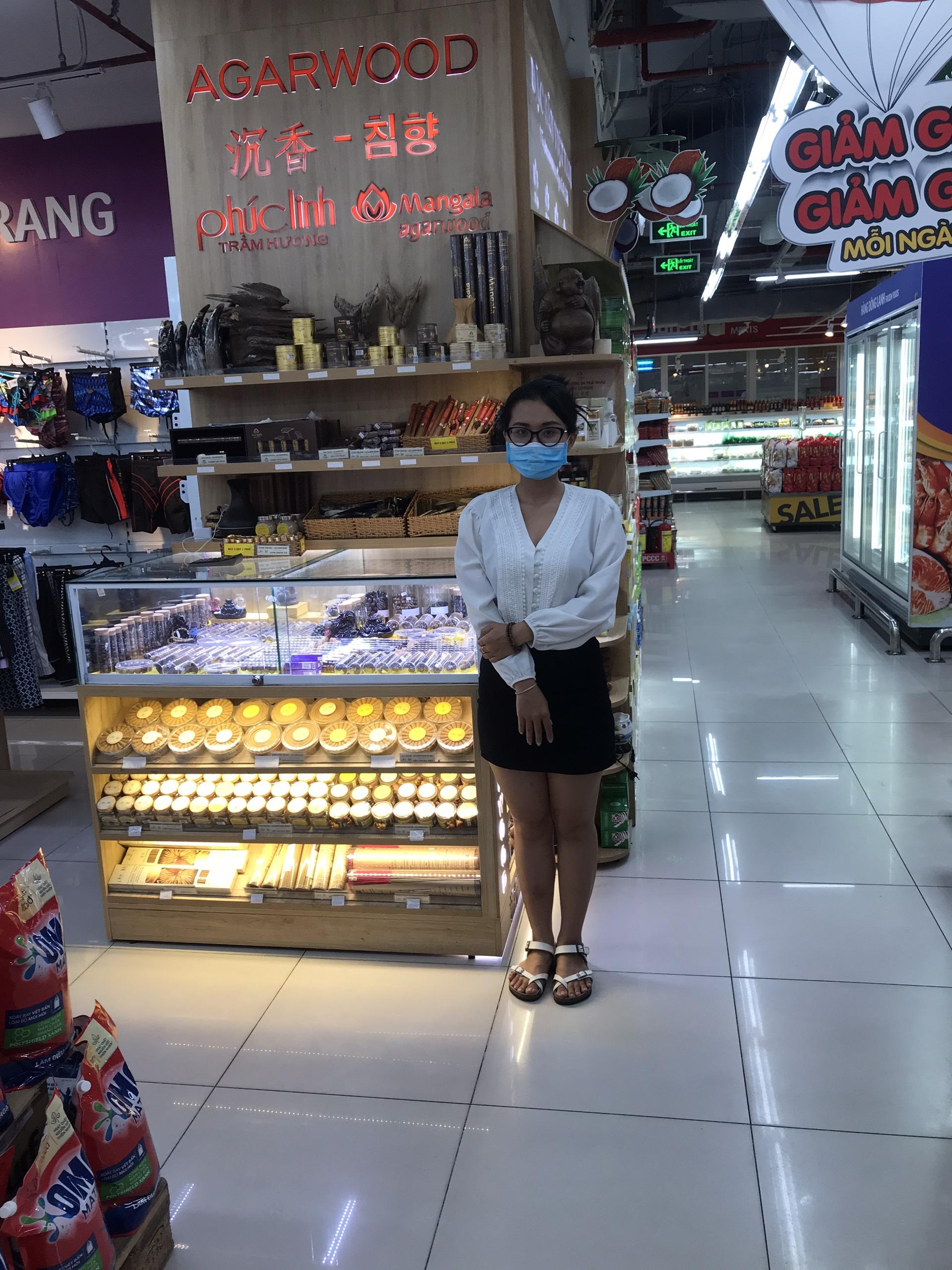 Cửa hàng bán Nhang Nụ Trầm Hương tại Nha Trang của Trầm hương Phúc Linh - tại siêu thị Vinmart tầng 2- Trung tâm Thương Mại VinCom đường Lê Thánh Tôn, Nha Trang.